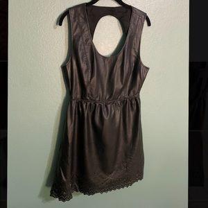 Billabong Designers Closet Open back Dress